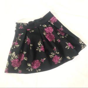 Bethany Mota Skirts - 🌺 4/$20 Bethany Mota Black Floral Skater Skirt